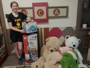 Abby, a Treasure Valley Catholic School student, chose the WCA for her Faith in Action project and provided several needed donations for our shelter.